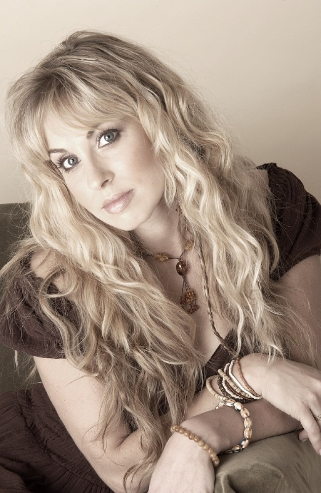 14275410-CandiceNight-650-1725a966cd-1470660204